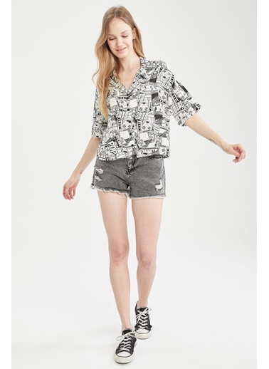 DeFacto Pop Art Desenli Ceket Yaka Relax Fit Viskon Gömlek Beyaz